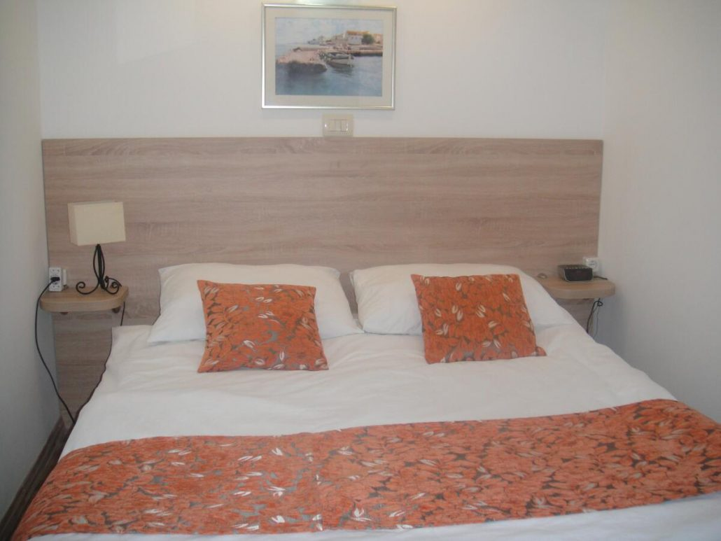 loveseat for bedroom gallery cheap hotel in split 12159